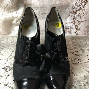 Nice Patent Leather and  Suede Tahari Oxford Heels